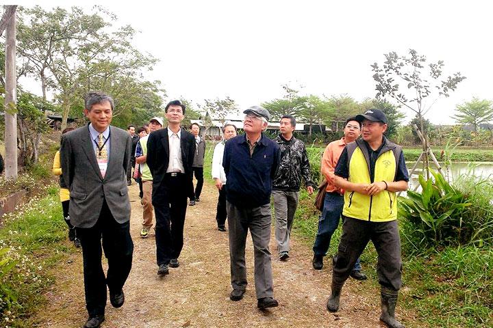 雲林縣長率市府團隊參訪慈心農場